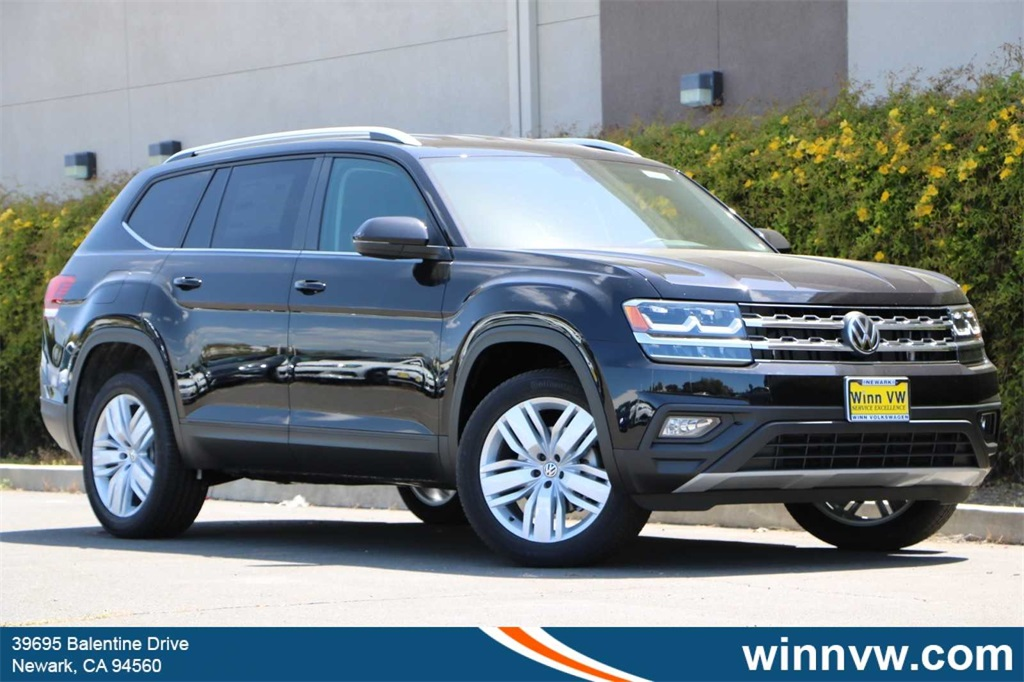 New 2019 Volkswagen Atlas SE w/ Tech FWD VIN# 1V2WR2CA1KC551845 MSRP $40,110